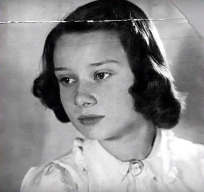 Одри Хепбърн през 1942г.