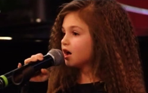 9 годишно момиче вдигна Слави Трифонов на крака (ВИДЕО)