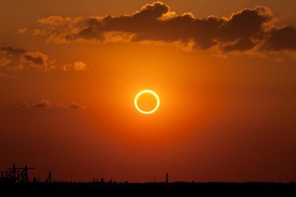 Слънчево Затъмнение в Лъв: Силни емоции за неподвижните знаци Лъв, Телец, Скорпион и Водолей