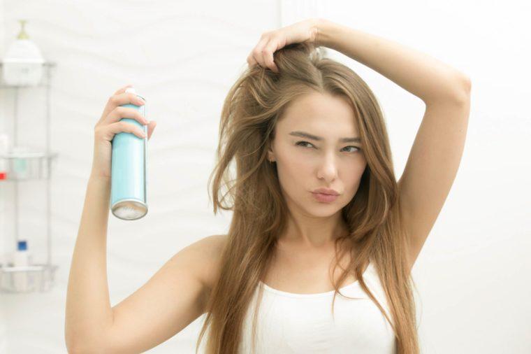7 огромни грешки, които правим несъзнателно с косата си
