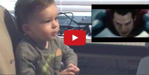 Емоциите на малко дете, което вижда за пръв път летящия Супермен