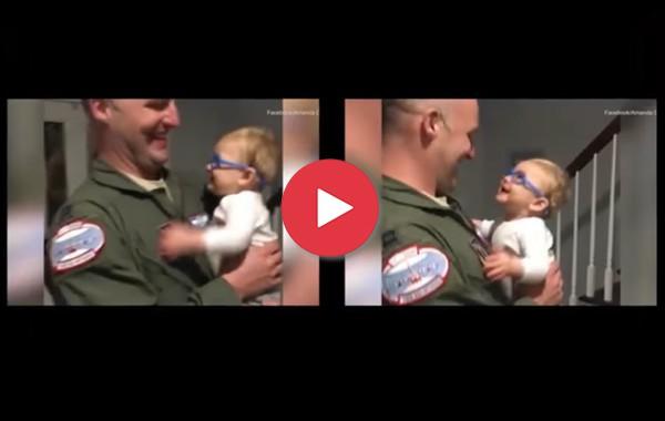 Малко слънчице: Прекрасният момент, в който бебе вижда баща си за първи път с новите си очила