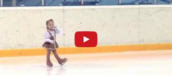 Как Русия ражда шампиони по фигурно пързаляне? Това дете е само на 2,5 години, а открива състезание!